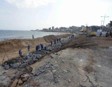 Prefeitura realiza obras de contenção marítima