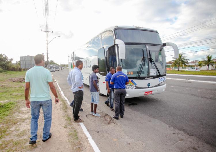 Greve suspende transporte universitário em Camaçari