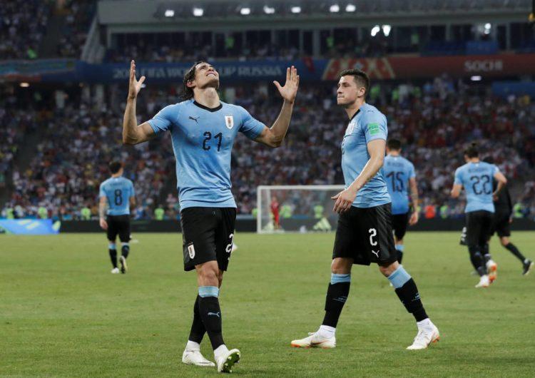 Cavani marca dois gols e Uruguai tira Cristiano Ronaldo da Copa
