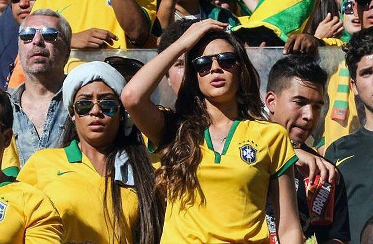 Bruna Marquezine viaja para acompanhar Neymar na Copa