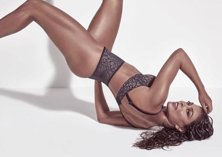 Em ensaio sensual, Juliana Paes arranca suspiros na Internet