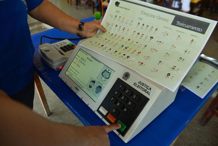 Indonésia quer adotar o sistema de votos eletrônicos do Brasil
