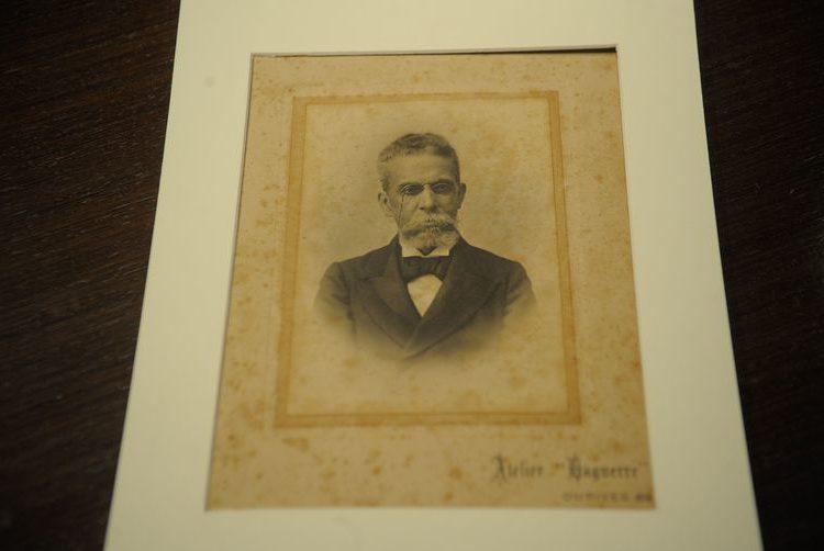 Exposição traz primeiras edições de obras de Machado de Assis