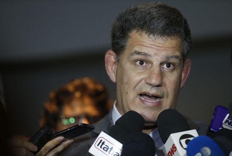 Bolsonaro reúne equipe para tratar de ministérios