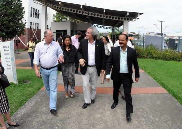 Elinaldo acusa PT de fazer demagogia e espalhar boato sobre a Ford