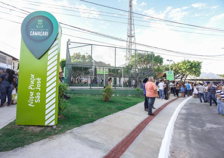 Moradores do Alto da Cruz ganham praça recuperada