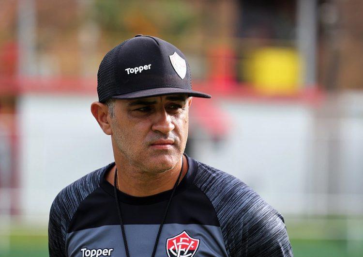 Diretoria do Vitória demite Marcelo Chamusca