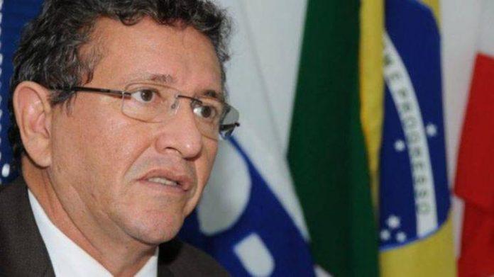 """STF diz que Caetano usa recursos para """"procrastinar"""" e impede novos embargos"""