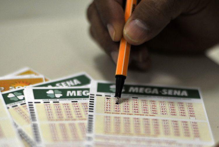 Mega-Sena acumula e paga R$ 34 milhões na quarta