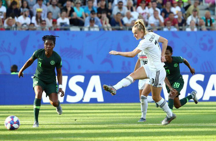 Alemanha vence Nigéria por 3 a 0 e passa às quartas de final