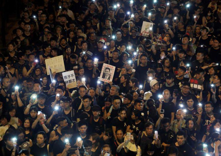 Estudantes rejeitam diálogo com chefe do governo de Hong Kong