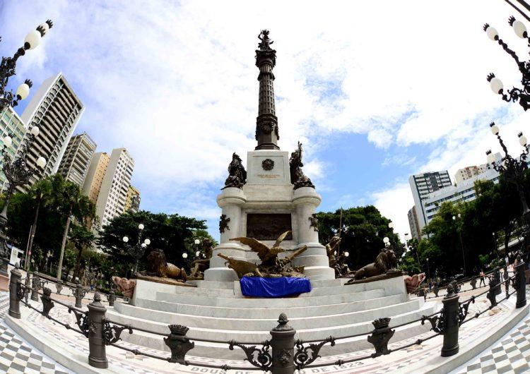 Prefeitura entrega Monumento ao Dois de Julho restaurado